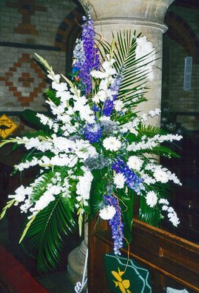 Pedestal flower arrangements gallery images white and blue ped code jgf254874wabp mightylinksfo