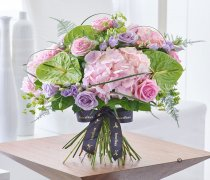 Luxury Rose and Hydrangea Hand-tied Code: L20961PS
