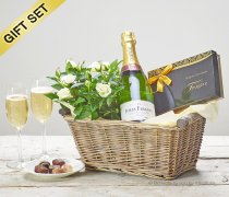Luxury bubbly Champagne Gift Basket  Code: C00781CS