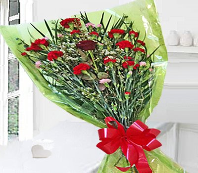 Sweet Heart Bouquet Code:JGFV989SGHB | Local Delivery Only