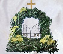 Yellow Woodland Gates of Heaven Funeral Flowers Code: JGF142YWGH