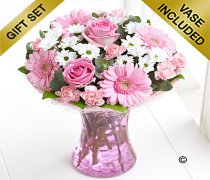 Large Pink Perfect Gift with Luxury Chocolates Code: C00942PB