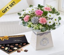 Winter Wishes Gift Box with a box of Luxury Chocolates Code: X80681MB