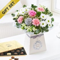 Winter Desire Gift Box with a Box of Luxury Belgian Chocolates Code: JGFW987031GBC | Local Delivery Or Collect From Shop Only