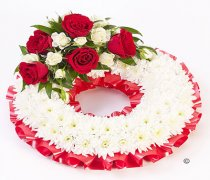 Red and White Traditional Wreath Code: F13680RS
