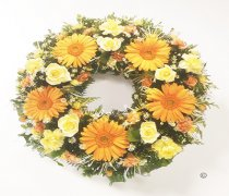 Peach and Cream Classic Wreath Code: JGFF570PCW | Local Delivery Or Collect From Shop Only