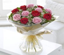 Heavenly Mixed Red & Pink Rose Hand-tied with White Gypsophila Code: C00451XS