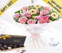 Mother's Day Flower Hand-tied with Luxury Chocolates Code: JGFM5009MH-C ( Local Delivery Or Collection Only )