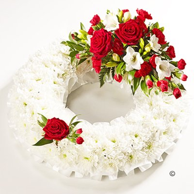 Traditional Red and White Bassed Wreath Code: JGFF190RWW | Local Delivery Or Collect From Shop Only