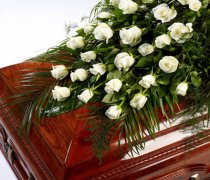 Rose Casket Spray White Code: TR109W