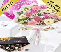 Mother's Day Flower Hand-tied with Luxury Chocolates and a Fun Mother's Day Helium Balloon Code: JGFM5009MH-CB ( Local Delivery Or Collection Only )